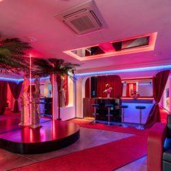 La Chica Lounge